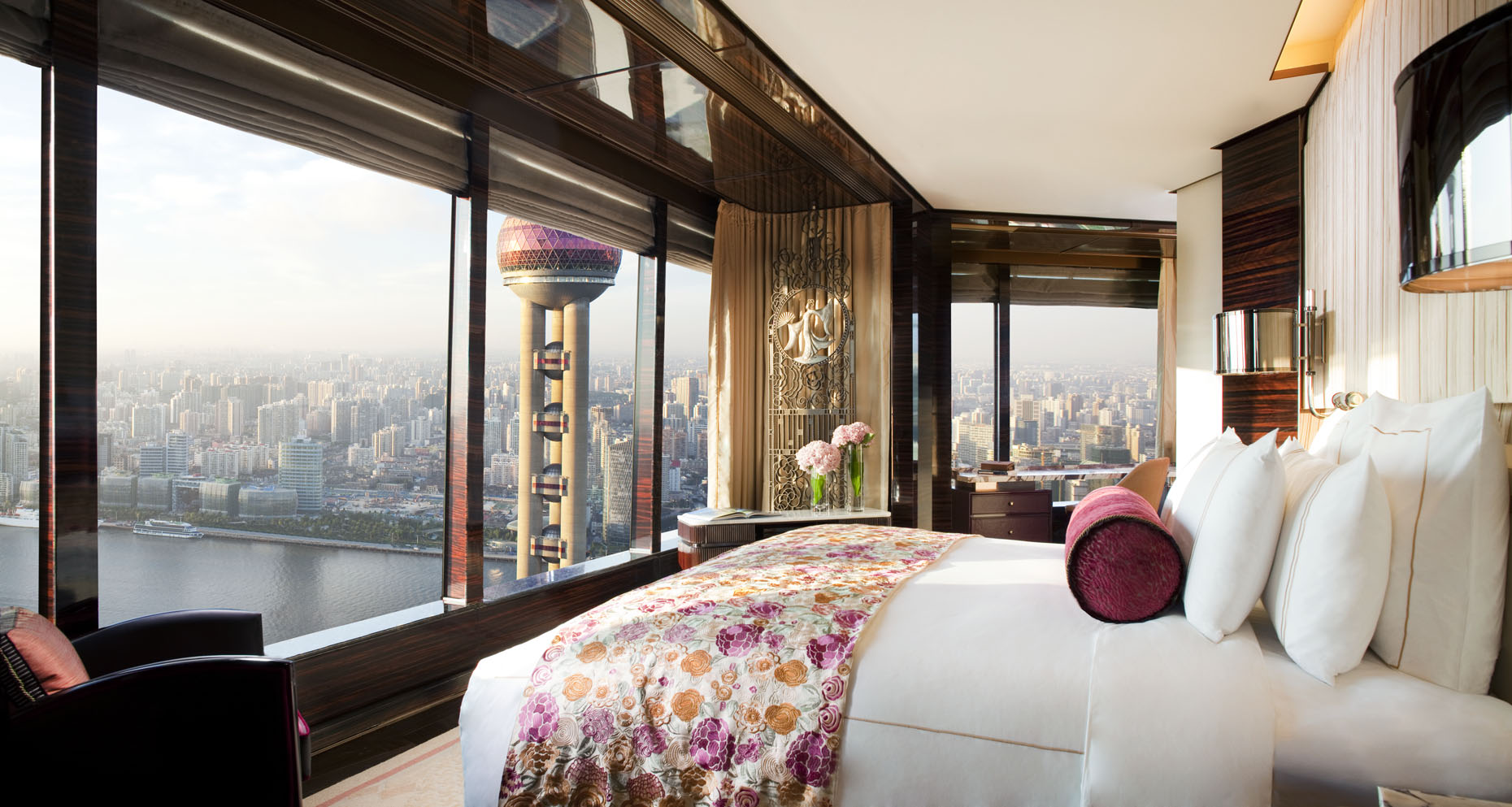 A Ritz-Carlton Shanghai, Pudong Bund View Suite | China |