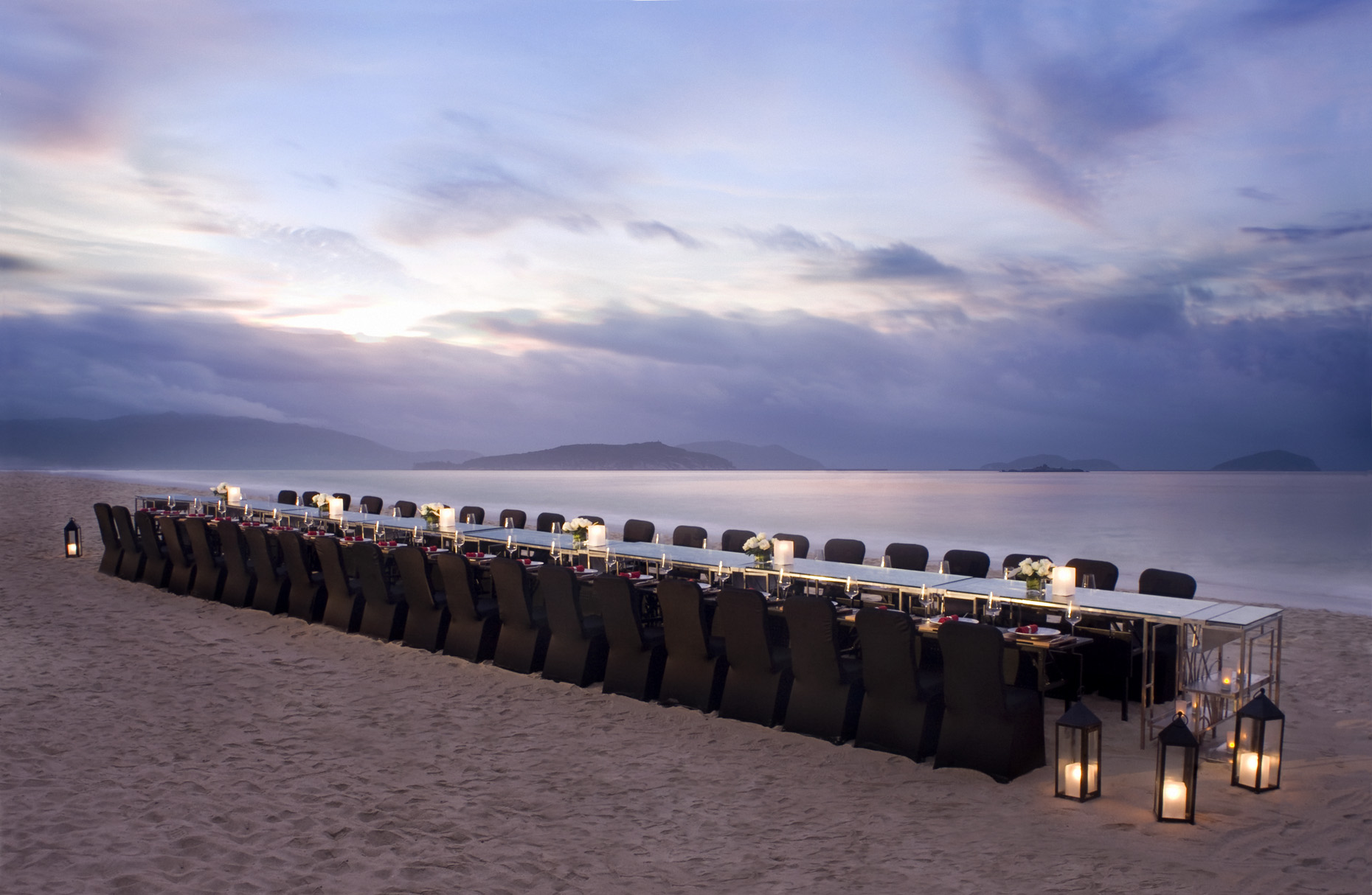 A sunset beach dinner at The Ritz-Carlton, Sanya | China |